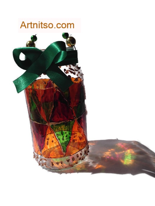 Painted glass jar in red, green and yellow. Artnitso.com
